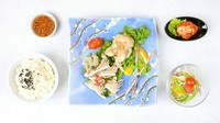 黒毛和牛「ホルモン厳選2品」・特製白菜キムチ・サラダ・ライス