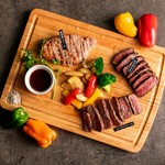 和牛内もも・オーストロースステーキ・霧島豚ステーキの厳選3種をご堪能いただけます。