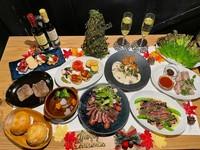 7品の牛タン料理と季節の野菜料理が3品ついて、大満足!