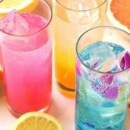 ●コカ・コーラ ●ジンジャーエール ●オレンジ ●グレープフルーツ ●塩レモンスカッシュ ●カルピスウォーター ●カルピスソーダ ●アイスレモンティー ●ウーロン茶 ●緑茶