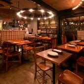 大勢様にも、くつろげる空間をご提供。肉料理で楽しく宴会を!
