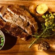 通常の豚肉よりビタミンやオレイン酸が豊富!脂身が甘くジューシー。