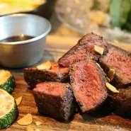 アメリカの広大な土地で穀物肥育された上質なお肉です。 一頭から2枚しか取れない希少部位です。