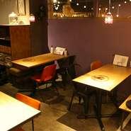 少人数グループにおすすめのテーブル席は、最大4名様でご利用可能! 普段の日常使いにどうぞ!