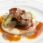 『ロッシーニステーキ オーストラリア産牛フィレ肉とフォアグラ トリュフソース』