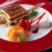 本場イタリアの味わいが楽しめる『特製ティラミスとレアチーズケーキの盛り合わせ』