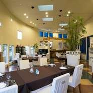 【リストランテ澤内】では、少人数でのレストランウェディングの利用も受け付けています。2人の門出をご家族やご友人と共にお祝いしましょう。カジュアルなウェディングパーティーを演出してくれます。