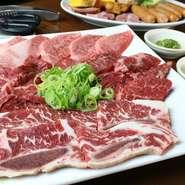●A5宮崎牛上カルビ・特選ハラミ・赤身 ●骨付きカルビ・ウィンナー ●特選大貫ベーコン・焼き野菜
