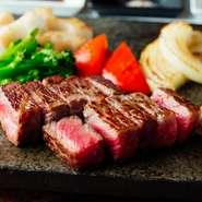神戸ビーフをリーズナブルに味わえるのはランチならでは。神戸ビーフは融点が低いため、口どけが良く、まさにとろける食感です。