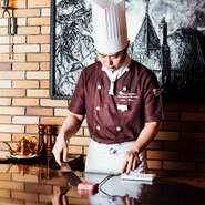 日本全国、海外からも神戸ビーフを求めてご来店いただくので、常に最高級の神戸ビーフを提供できるよう心掛けております。より神戸ビーフの価値を知っていただければ幸いです。