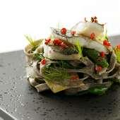 本場イタリアの郷土料理に、シェフの気配りを加えた皿が集う