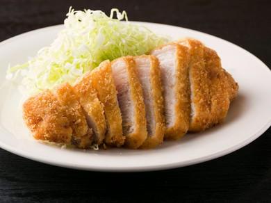 品があり、豚肉の素直な味わいが楽しめる『とんかつ ロース』