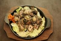 炭火焼に黒岩土鶏を使用。ジューシーで柔らかな黒岩土鶏をお楽しみください☆