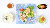 A5黒毛和牛『本日のステーキ』・特製白菜キムチ・サラダ・ライス