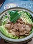 石焼きつけ麺で大好評のすじ煮を皆さんで囲める「鍋」にしました!! 野菜がたっぷり入って、つけスジとは異なる美味は絶妙。もちろん〆は(麺)or(飯)で大満足間違いなし!
