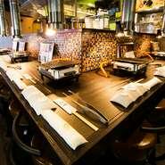 お店には広めのカウンター席を用意。お1人でも気軽に焼肉を楽しむことができます。仕事帰りや普段使いに、焼肉と日本酒を味わいに訪れてみてはいかがでしょう。