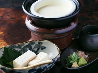 豆乳からつくる、濃厚な素材の味わいが深い逸品『手づくり豆腐』