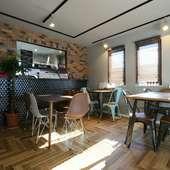 カリフォルニア風のオシャレなカフェで、ウキウキ感もアップ