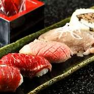 写真左から、とろけるような食感の馬刺し2種、旨味がぎゅっと詰まった和牛炙り、しっとりとしたローストビーフ、和牛の焼肉とキムチの巻き寿司。巻き寿司はお持ち帰り用もあります。
