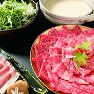 特選牛肉2種、サラダ、生卵、野菜、うどんor御飯、ナムル、自家製豆乳アイス
