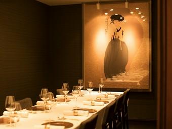 上質な個室の空間で、韓国の無添加薬膳料理をお楽しみください
