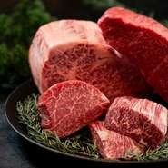 【西麻布けんしろう】伝承の全国から厳選した和牛の仕入れ、肉師の丁寧なカッティングや焼き師による拘り抜いた焼きを堪能して頂きます。醤油や塩から拘り抜く姿勢はそのままに最先端の一門焼肉を体感してください。
