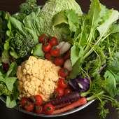 有機野菜、神戸牛、近郊で水揚げされた鮮魚などを中心に使用