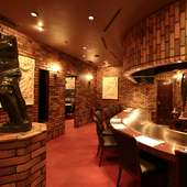 有名な彫刻を模したオブジェが高級感を演出
