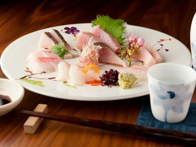 三陸をはじめ全国から旬の魚介を厳選した『お刺身盛り合わせ』