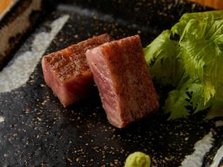 リブ芯のステーキは土佐醤油で。たれは毎日手づくり