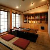接待、会食にふさわしい落ち着いた空間と贅沢なコース