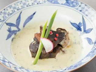一番人気のメニュー『牛タンの柔らか煮 ゴルゴンゾーラソース』