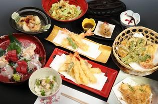 地元産を始め、四季折々の美味しさを感じさせてくれる旬菜・旬魚