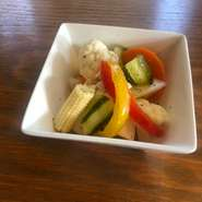川越 小野農園の贅沢野菜の自家製ピクルスです