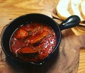 柔らかい牛タンとドライトマトをコクのあるトマトソースで煮込みました