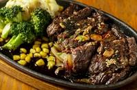 川越<松本醤油>を使用したブライトン特製ガーリック醤油(赤身と脂のバランスがちょうど良く国産牛ですので非常に柔らかいです。)