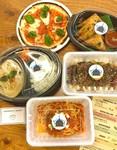 前菜、サラダ、揚げ物、お肉、パスタをテイクアウトにて販売しています。