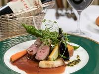 『オーストラリア産仔羊肉のロースト 赤ワインソース ~自家製ハーブで仕上げて~』