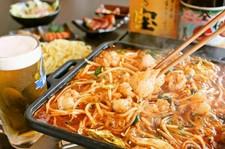 もつ鍋・薩摩知覧どり たたきなどがあり、 料理もお酒も楽しみたい方におすすめなコースです☆