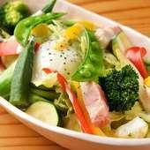 旬の野菜を味わえる人気のメニュー