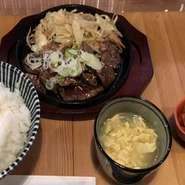 ・焼肉鉄板 ・野菜炒め ・ごはん ・キムチ ・スープ