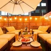 屋上テラス席でビールやワインをビアガーデンコースもあります