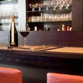 90種類の品揃え! ワイン好きにたまらないラグジュアリーな時間