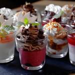 アクセントの塩昆布とカイエンペッパーのピリ辛がローストビーフによく合います。サラダなのにお酒がすすむ一品。