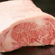 北海道産黒毛和牛の「北勝牛」サーロイン・フィレ肉を提供。道内でA-5ランクの「北勝牛」を常時食べられる店は非常に少ないため、希少な味わいを堪能できます。