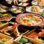 メインはたらば蟹と雲丹! 北海道を満喫できる豪華な懐石コース。飲み放題付きは税別12,000円になります。