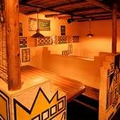 2階の内装は、南アフリカと西アフリカ調で異国情緒たっぷり
