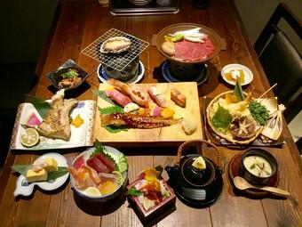 贅沢なあわびに飛騨牛・特上寿司・名物!穴子の一尾にぎりなど! 贅食屋千壽のいいとこどりです。