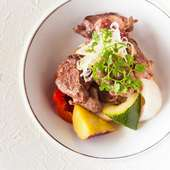 旨味の増した牛肉の『熟成ヒレ肉のサイコロステーキ』
