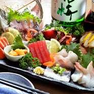 旬の魚介を中心に、鮮度抜群のお刺身盛り合わせ。新鮮ならではのコリッとした歯応えや、脂ののったフワッとした口当たり。魚の濃厚な旨みが口いっぱいに広がり、ついお酒がすすんでしまいます。